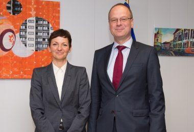 Tibor Navracsics in Maja Makovec Brenčič (vir PEK).